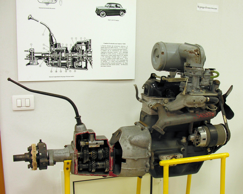foto_29__di__motore_FIAT_tipo_103_1100TV.jpg